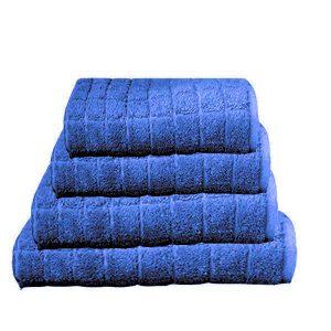 מגבת  קוביות בצבע כחול נייבי